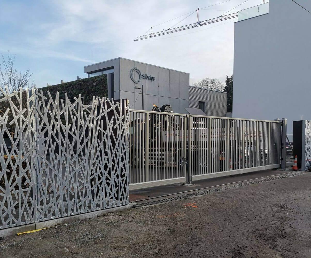 pose portail industriel autoportant ABF Fermetures bastogne